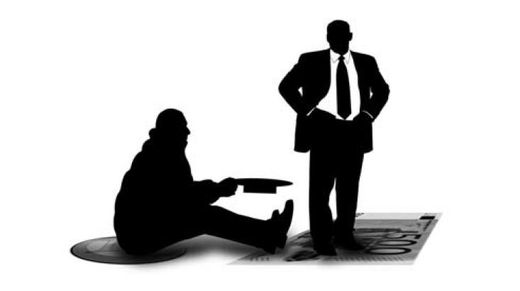Une première mobilisation des victimes du microcrédit obtient une légère concession