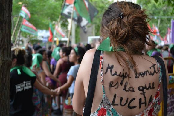 """صورة الارجنتين : هنيئا بنجاح اللقاء الوطني 31 للنساء، أكثر من 70000 ألف امرأة في """"روزاريو""""  أيام 8/9/10 أكتوبر"""