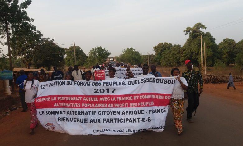 صورة بيان الحركات الاجتماعية غداة الدورة 12  لمنتدى الشعوب بمالي باعتباره  قمة بديلة مواطنية للدورة 27 للقمة الأفريقية الفرنسية
