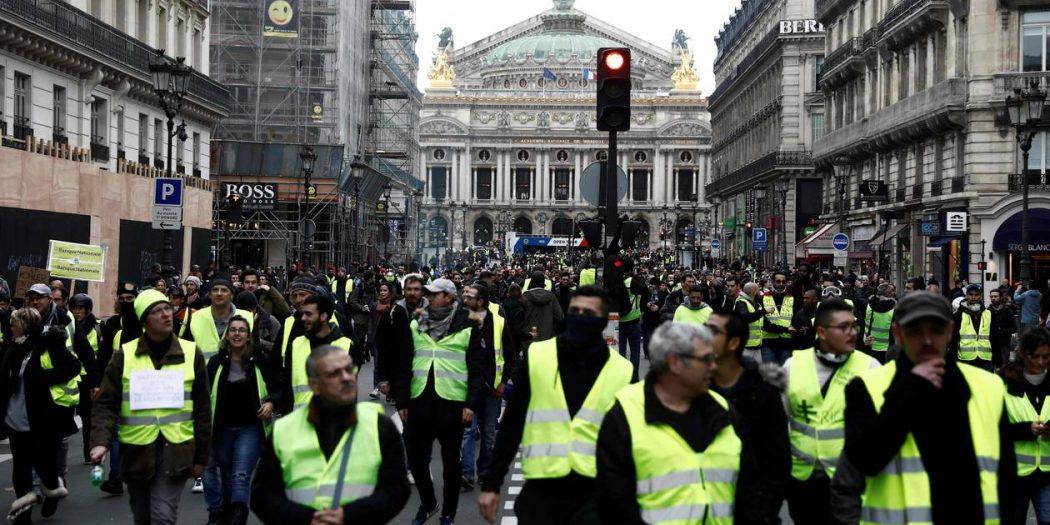 السترات الصفراء في فرنسا