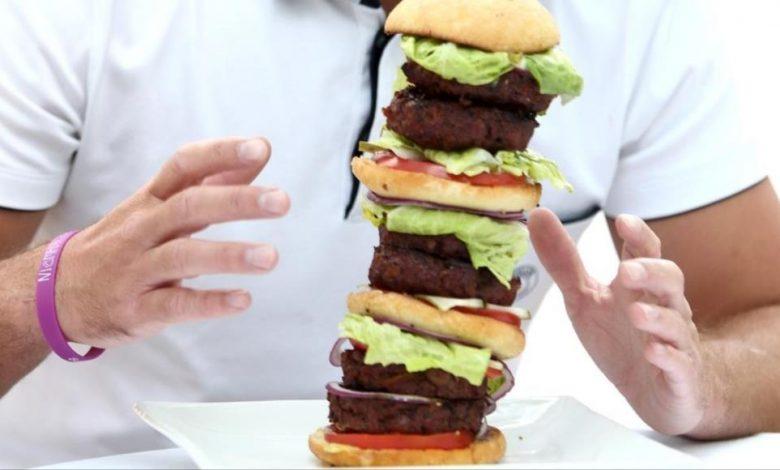 صورة عن  الصراع الطبقي  وما نأكله